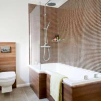 Bruin sanitair voor in de bruine badkamer
