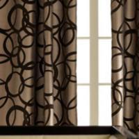 Bruine raamdecoratie slaapkamer